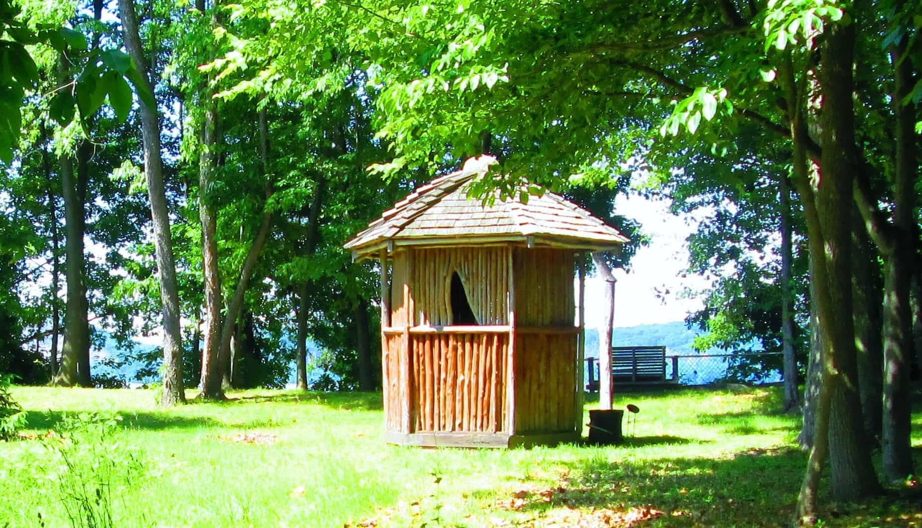 Healing Hut in Sun
